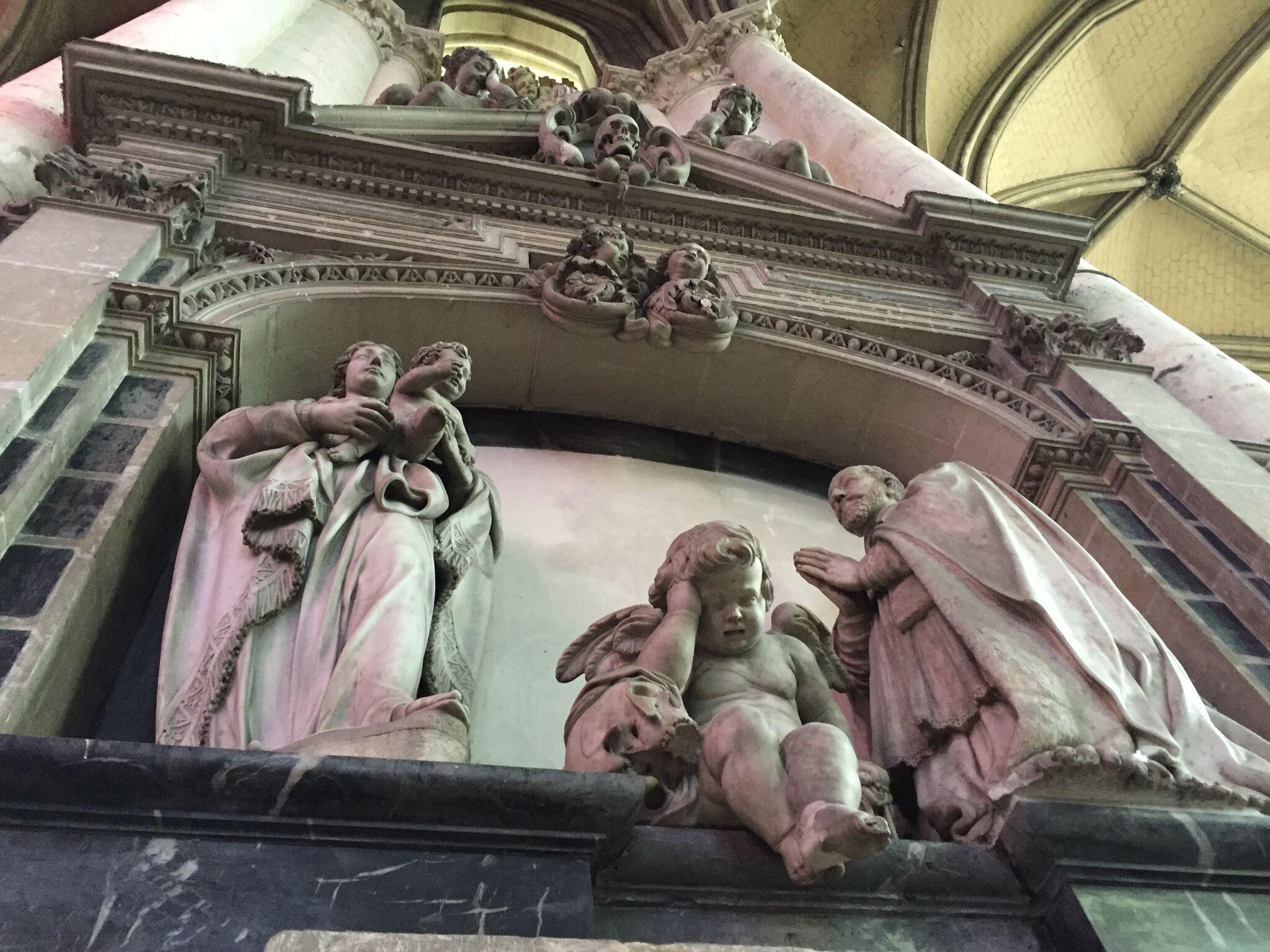 アミアン大聖堂の嘆きの天使