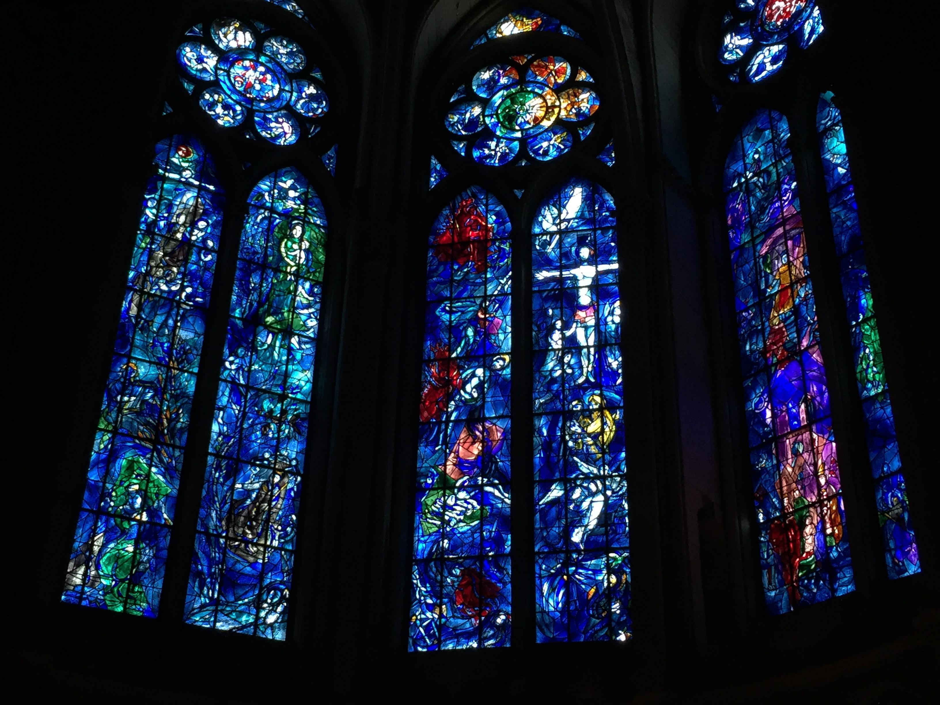 ランス大聖堂のシャガールのステンドグラス