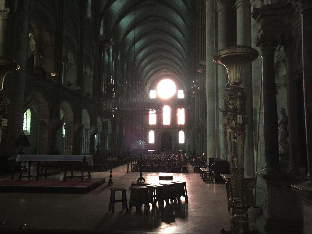ランスのサン・レミ聖堂の内部