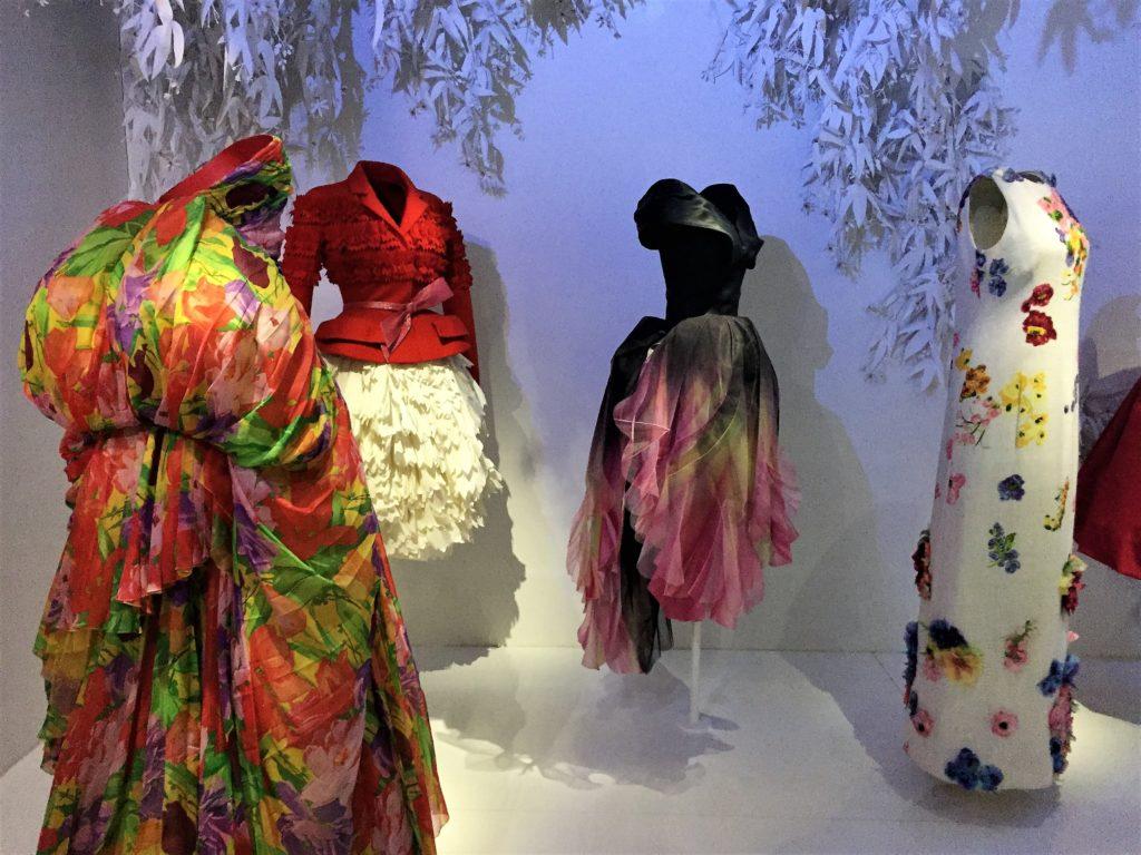 クリスチャン・ディオールの中国のデザインのドレス