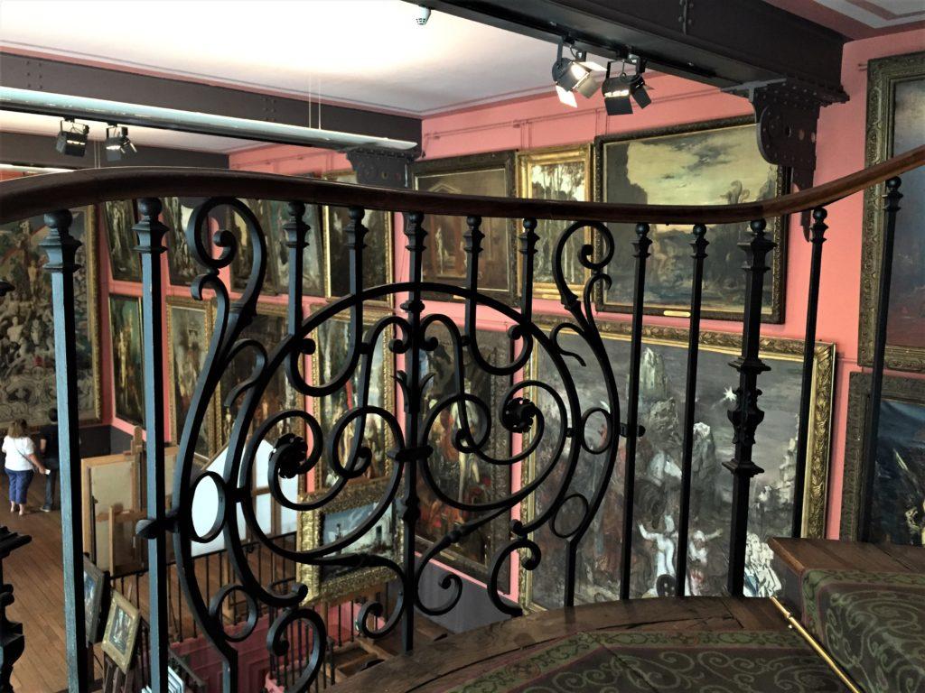 ギュスターヴ・モロー美術館の螺旋階段の途中
