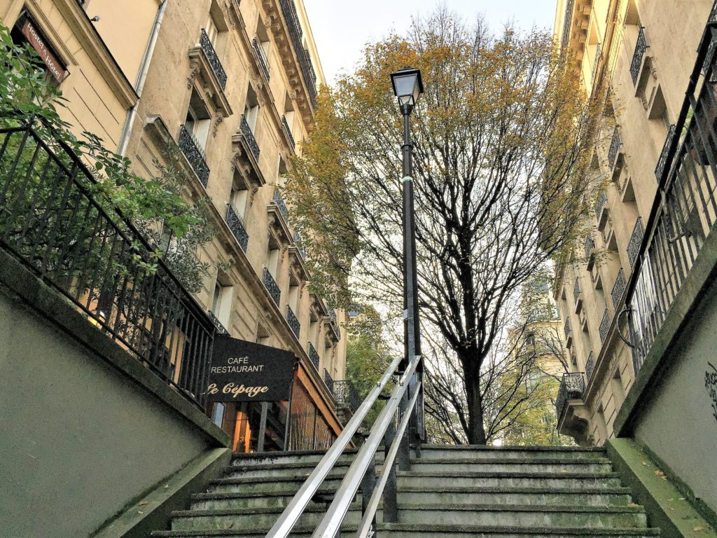 モンマルトル周辺の階段