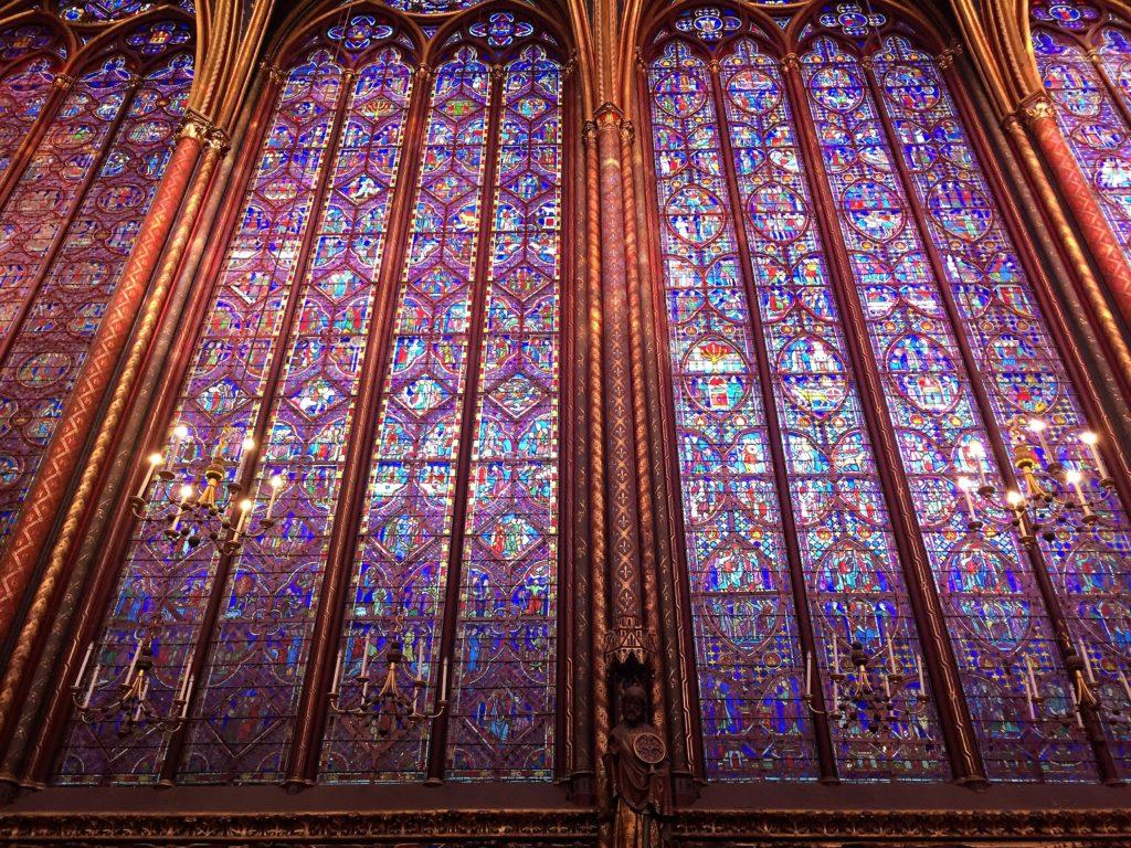 パリのサント・シャペルのステンドグラス
