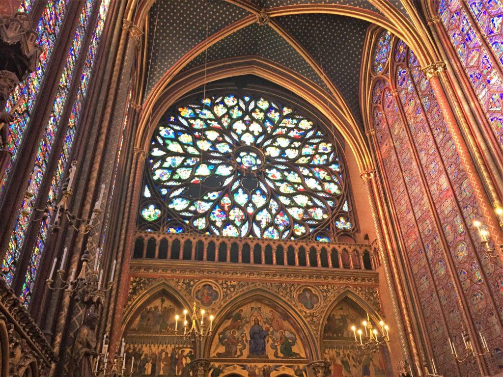 パリのサント・シャペルの西のバラ窓