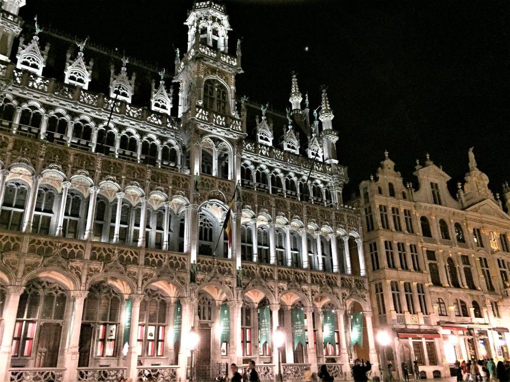 ブリュッセルのグラン=プラスの夜景