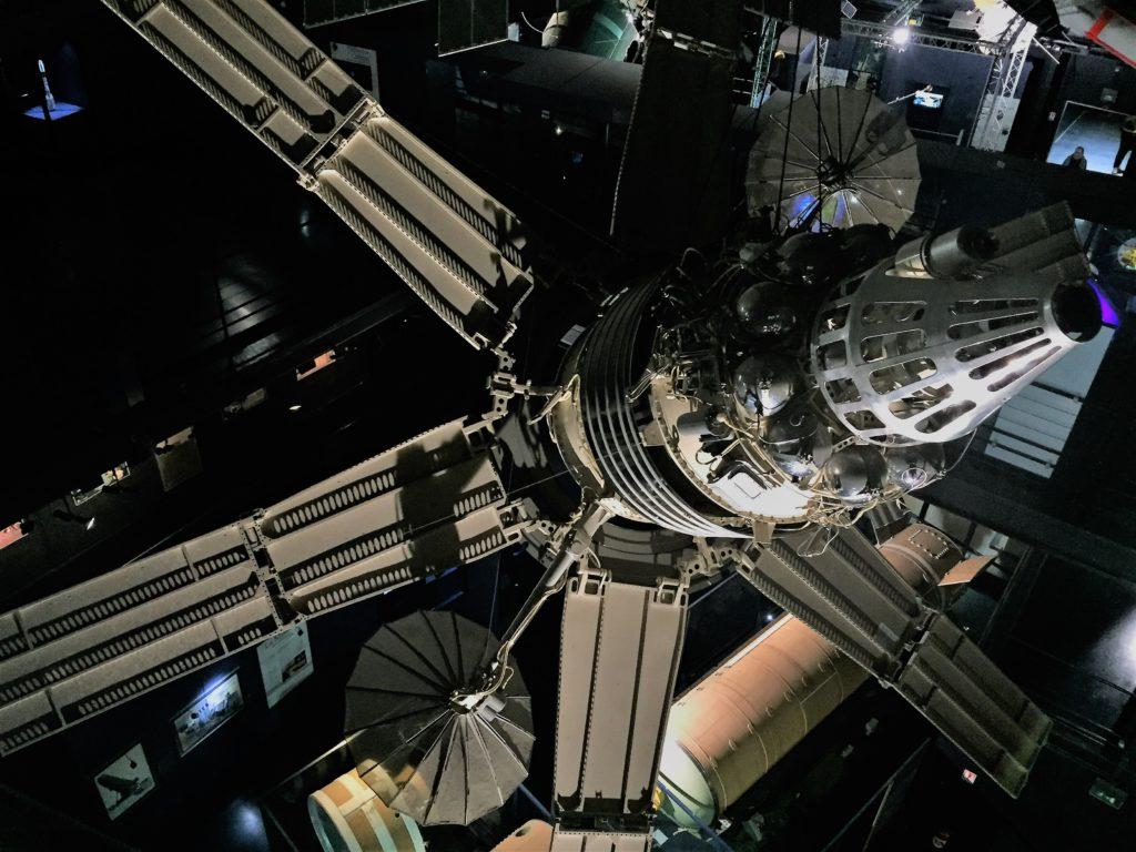 ル・ブルジェ航空宇宙博物館の衛星の展示