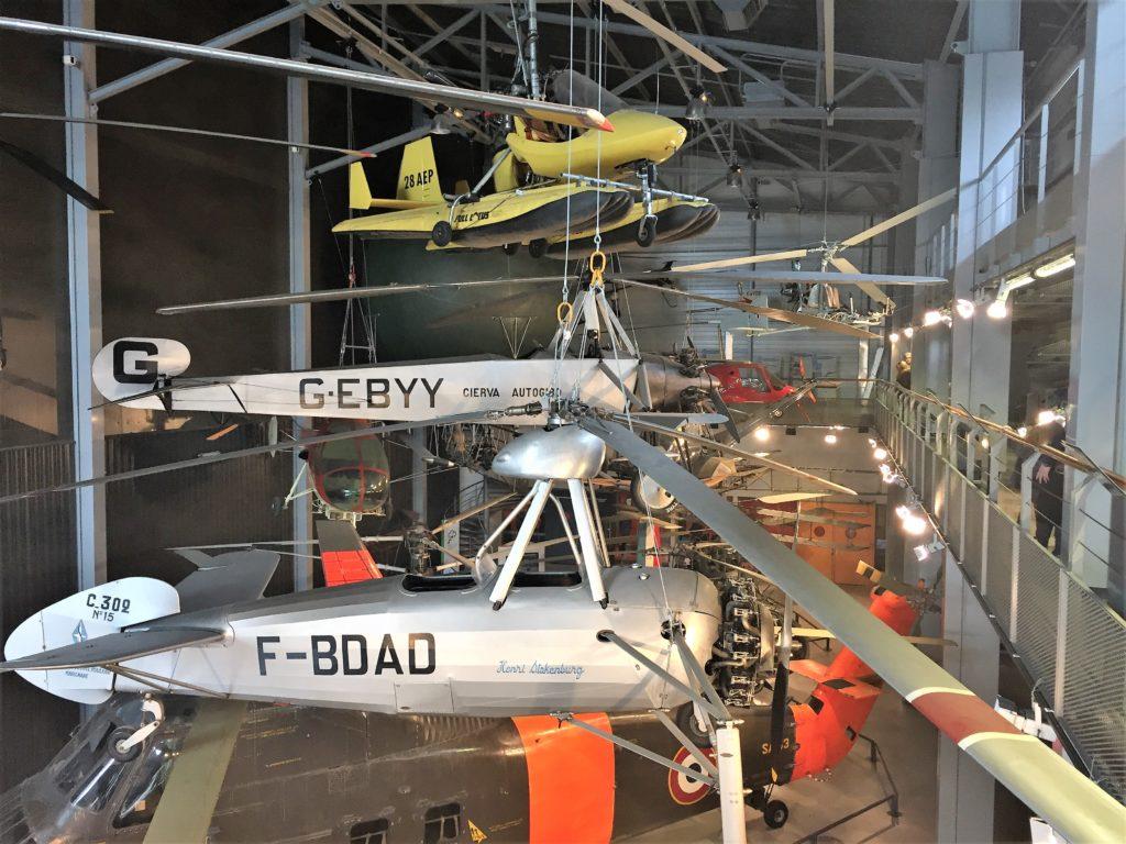 ル・ブルジェ航空宇宙博物館のヘリコプターの展示