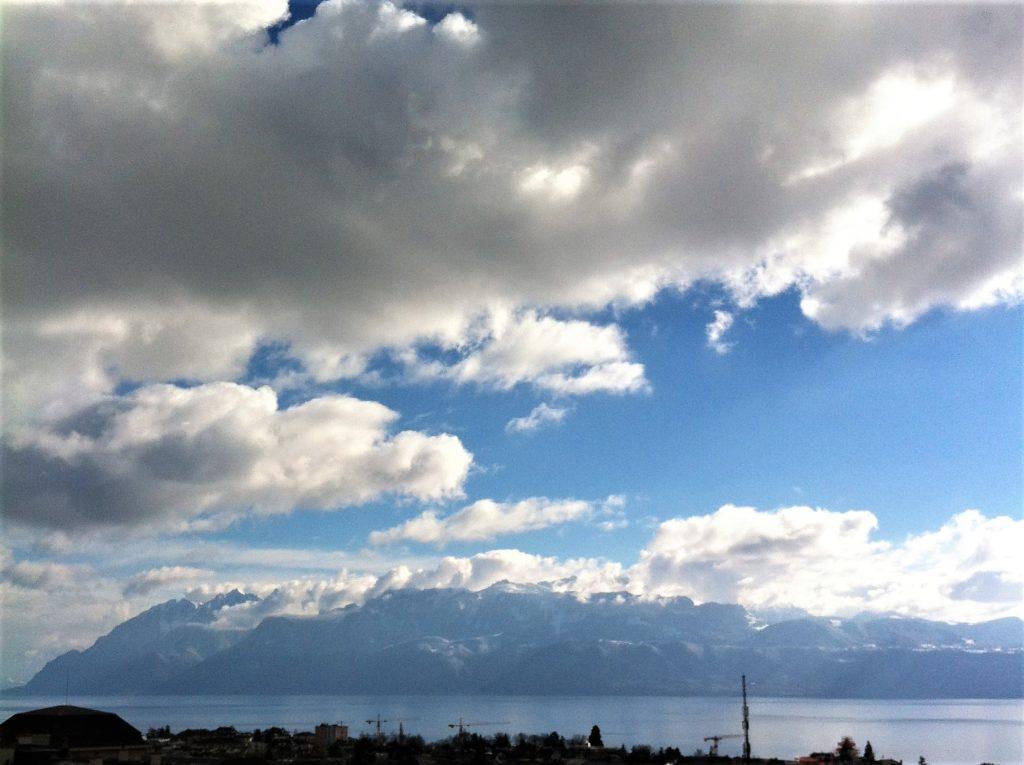 モンベーヌ公園から見たアルプスの山並み