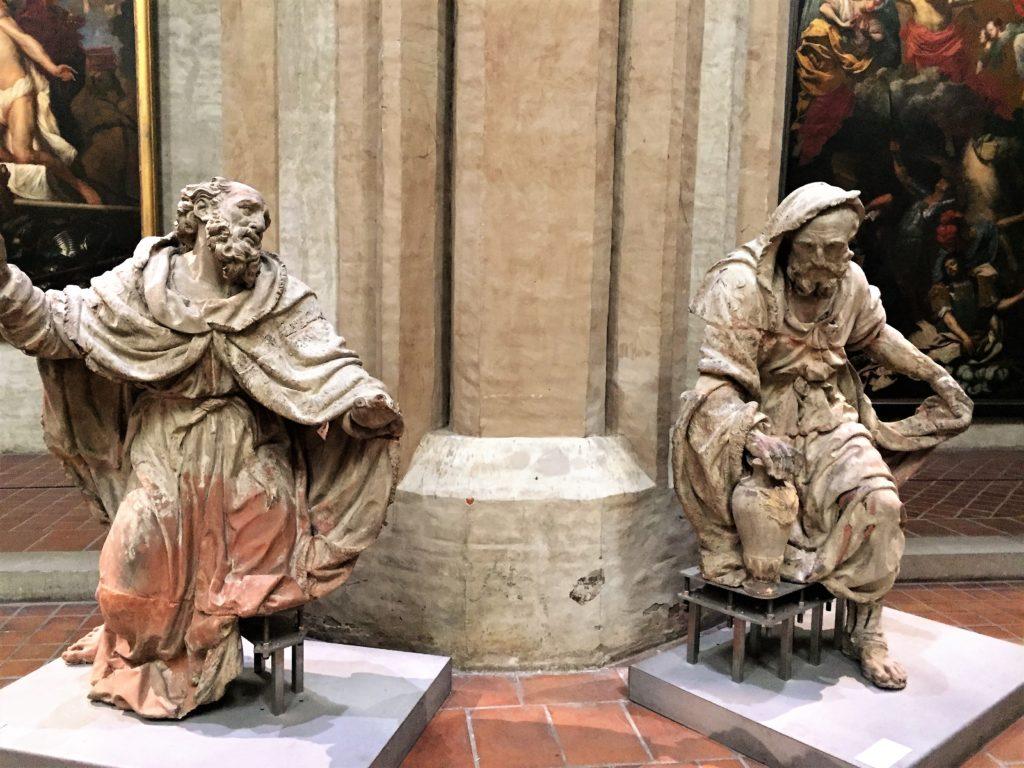 トゥールーズのオーギュスタン美術館の彫刻