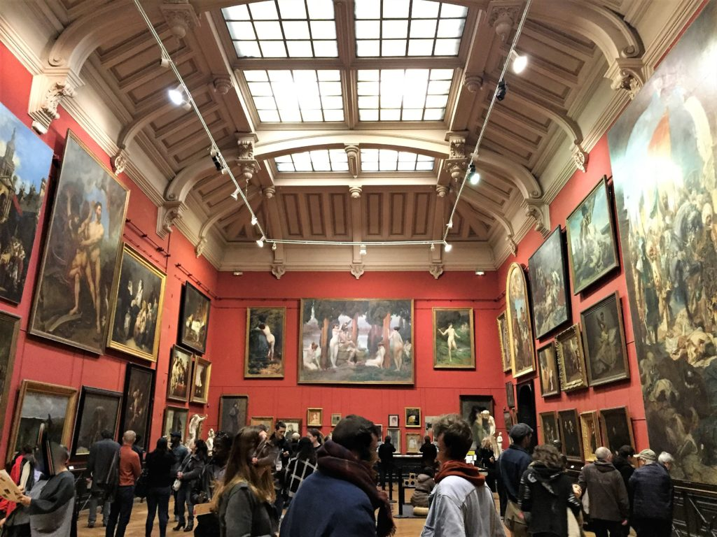 トゥールーズのオーギュスタン美術館の2階の絵画