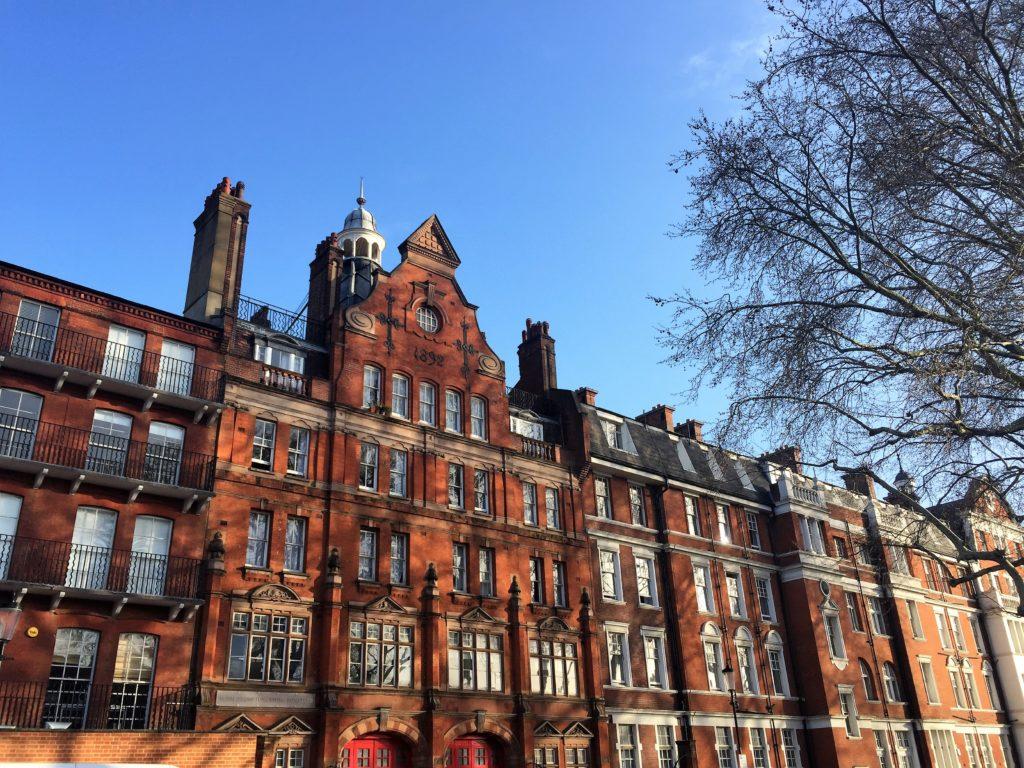 ロンドンのチェルシー地区にある古い建物