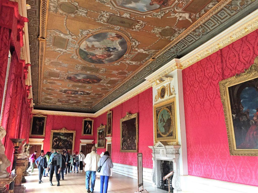 ケンジントン宮殿の内部