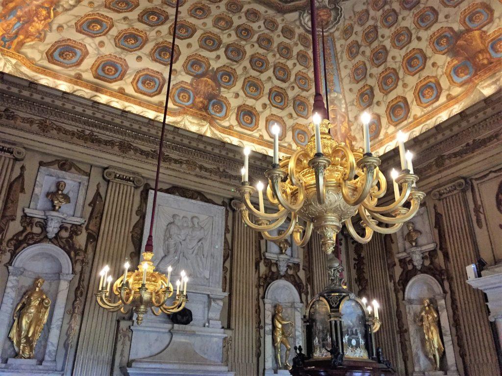 ケンジントン宮殿のシャンデリア