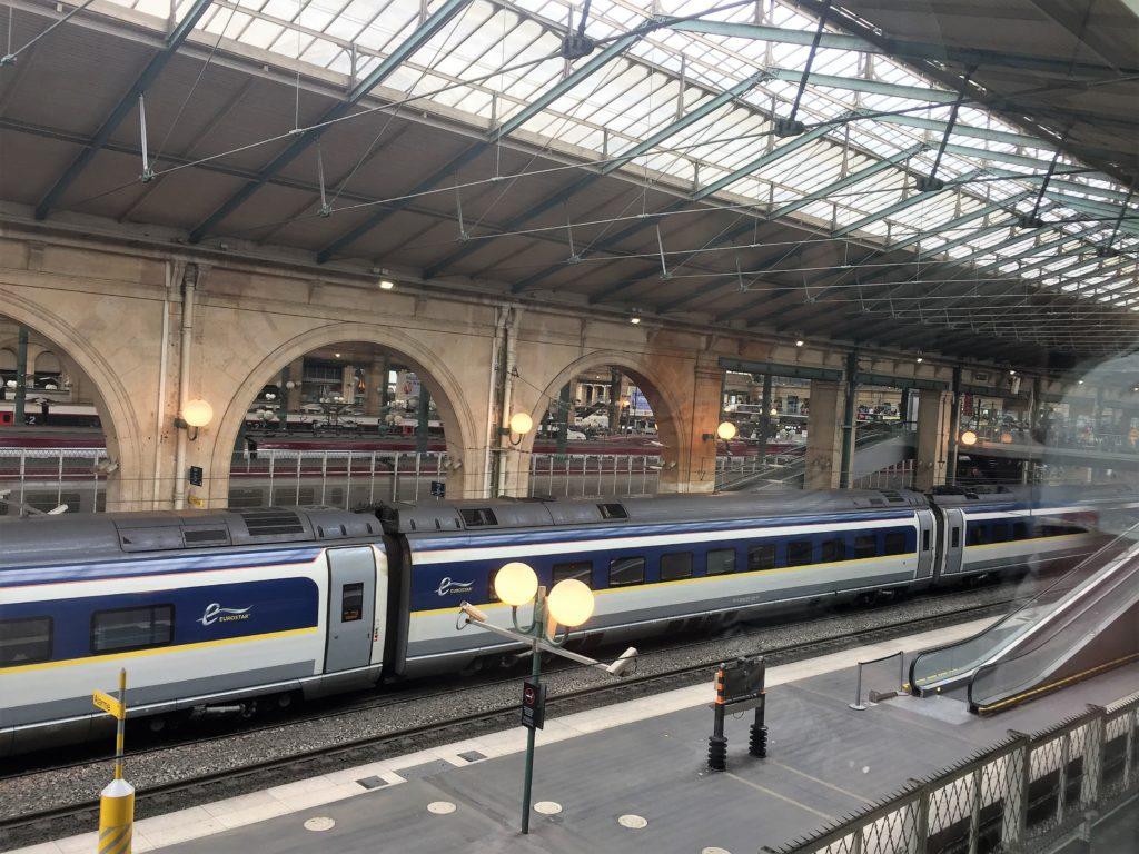 パリ北駅のロンドン行きのユーロスター