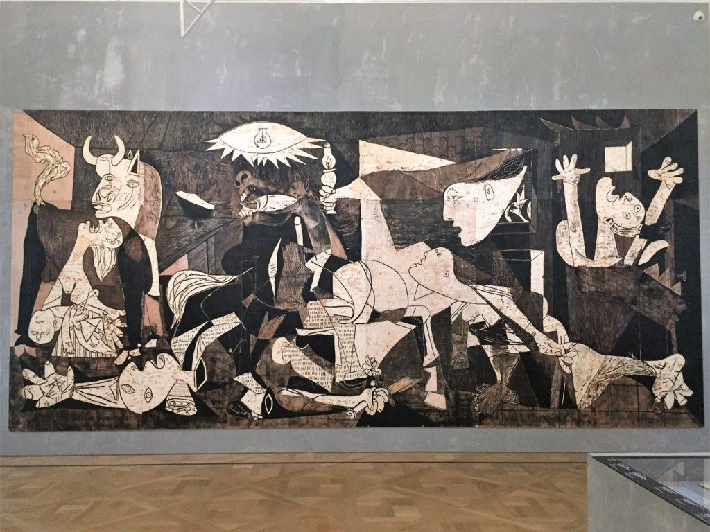 ピカソのゲルニカの木版画
