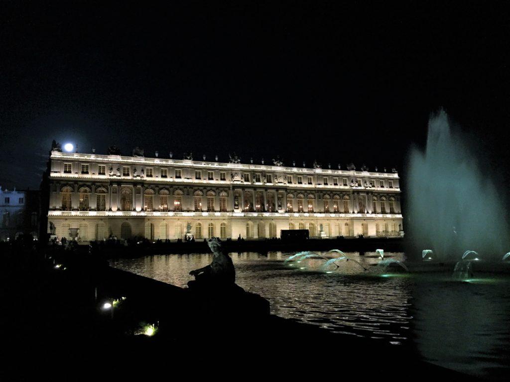 ヴェルサイユ宮殿のライトアップ