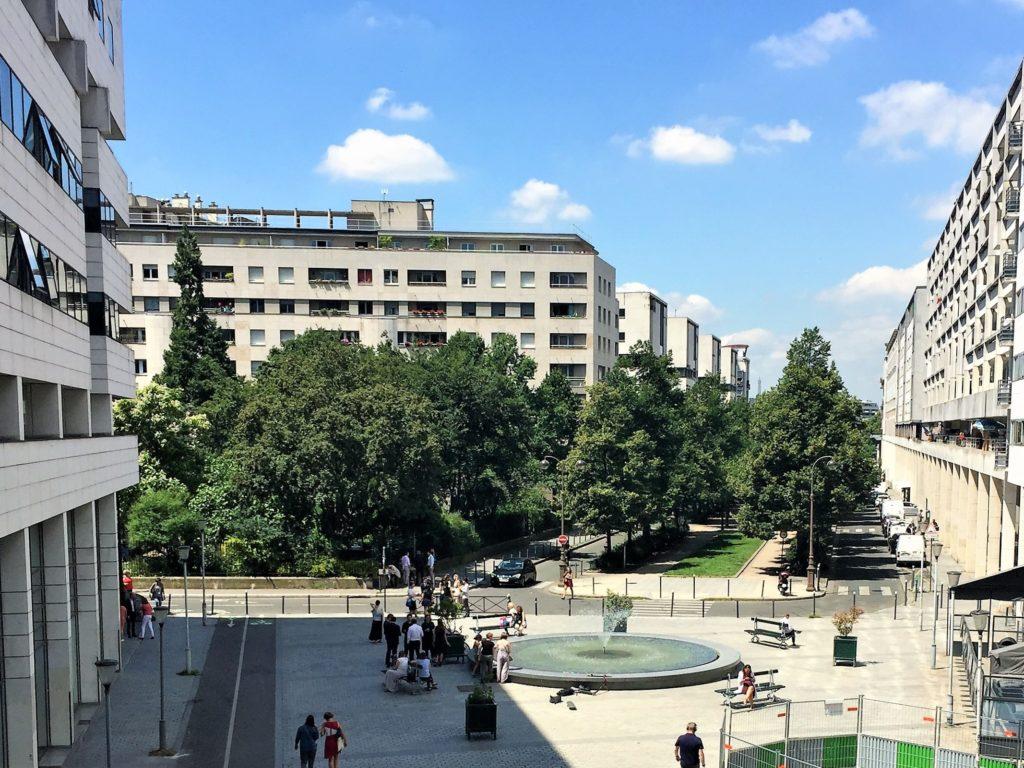 プロムナード・プランテの噴水が見える公園