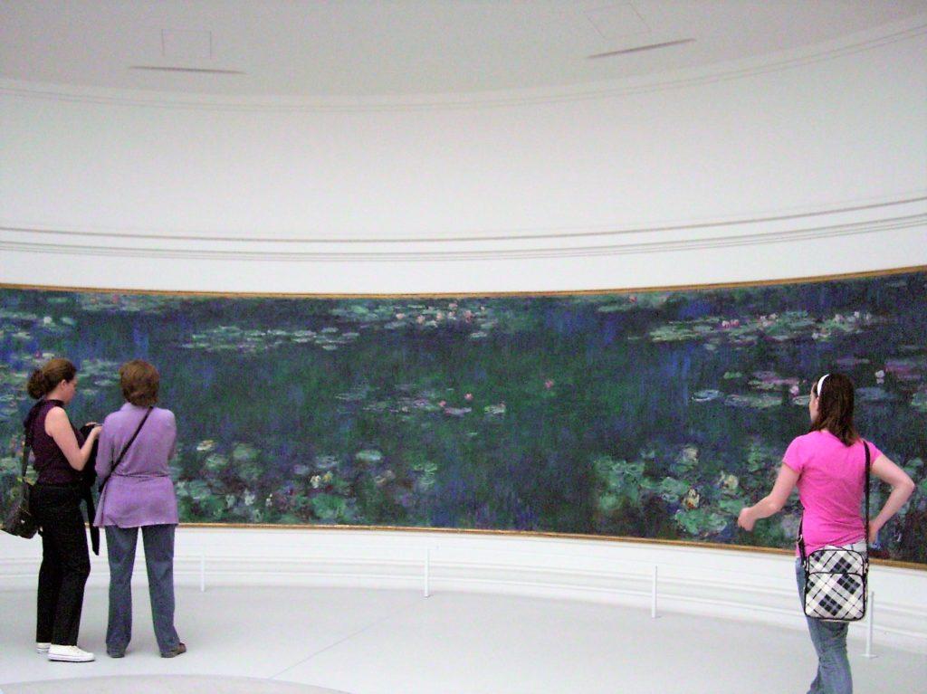 オランジュリー美術館のモネの睡蓮の絵
