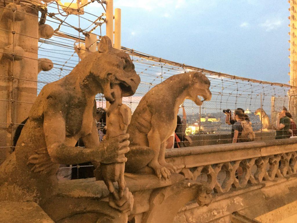 ノートルダム寺院の装飾彫刻