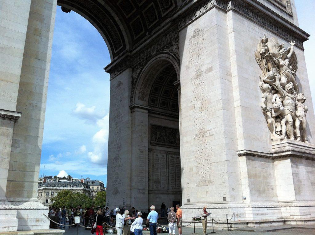 凱旋門のリュード作の「ラ・マルセイエーズ」の彫刻